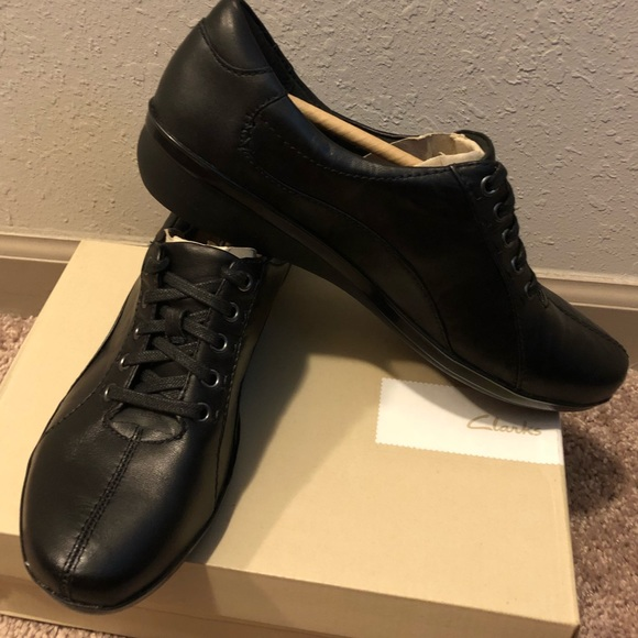 Clarks Womens Lace-Up Derbys